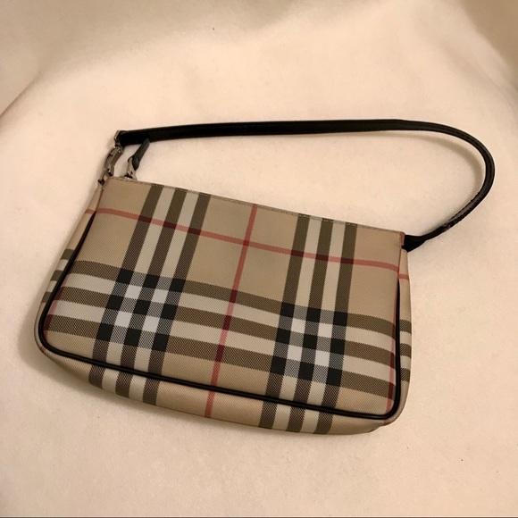 5583baf35bc3 Burberry Handbags - ✨Burberry Nova Check Pochette Bag